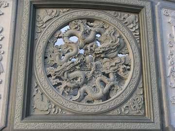 寺庙雕刻天窗