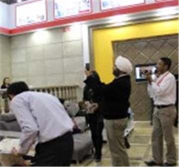 海外客户参观展厅