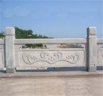 山东锈石护栏