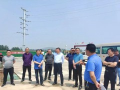 汶上县石材产业服务中心主任杨尊林观摩兄弟县露天矿山